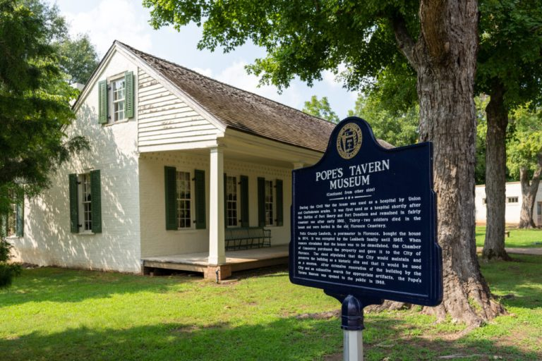 Archeologists discover new artifacts at Florence's Pope's Tavern Museum
