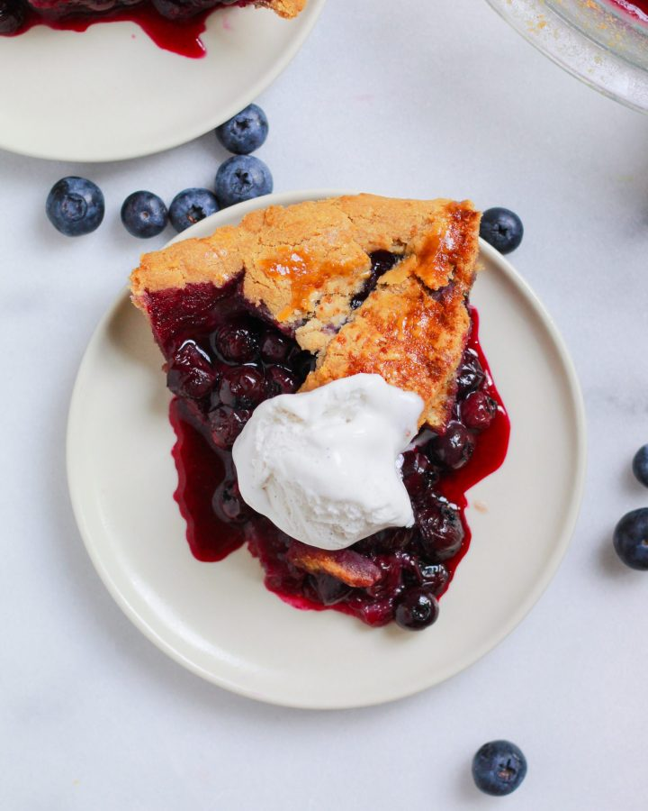 blueberry pie slice with ice cream