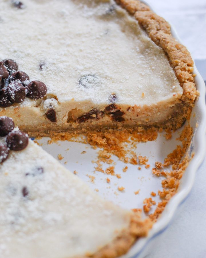 close up of cannoli cheesecake