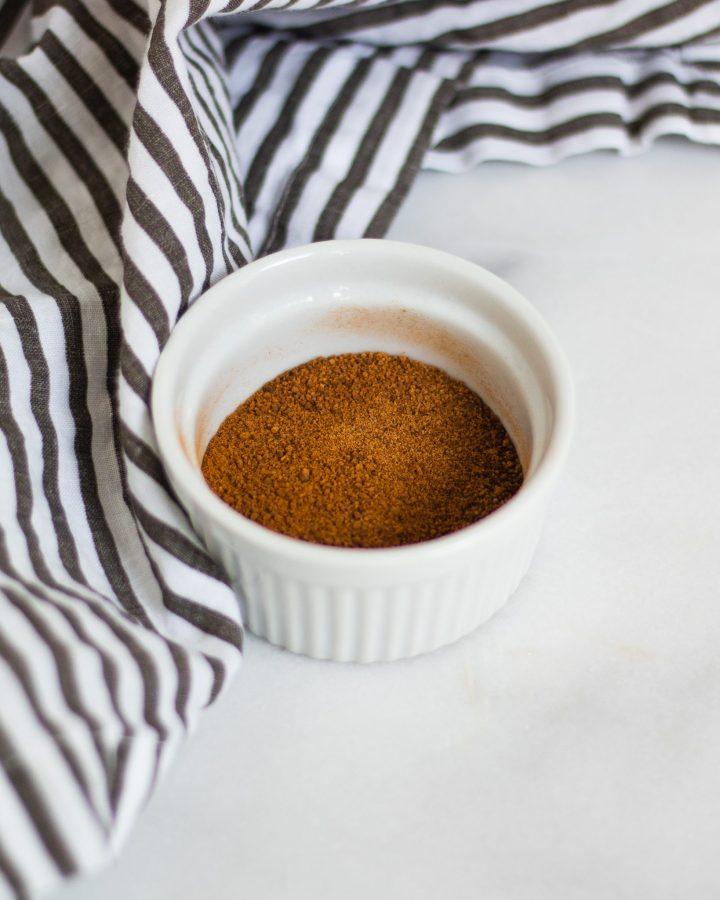 cinnamon sugar in container