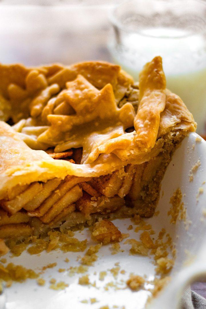 slice of apple pie pie
