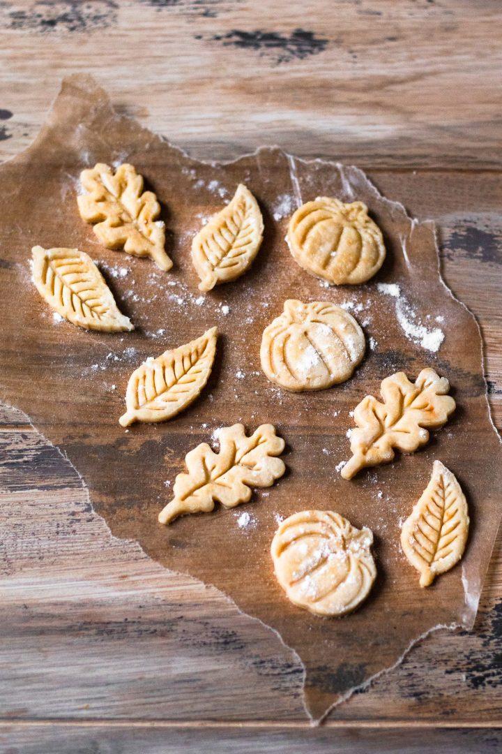 pumpkin pie crust cut outs