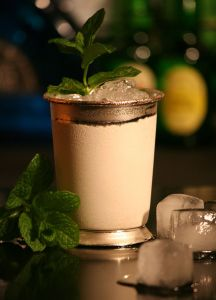 mint_julep_in_silver_cup_with_mint_sprigs