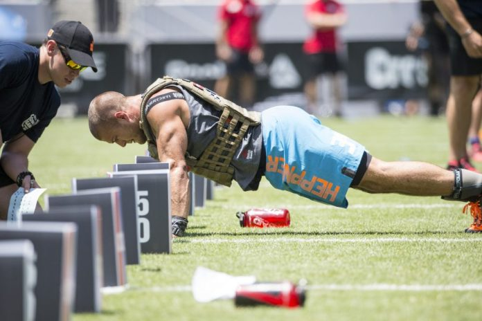 Jacob Heppner during Murph at the 2015 CrossFit Games