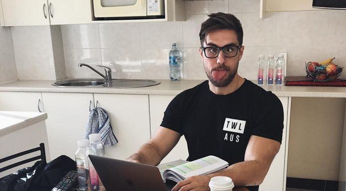 via Instagram - Khan Porter studying in between Regionals.