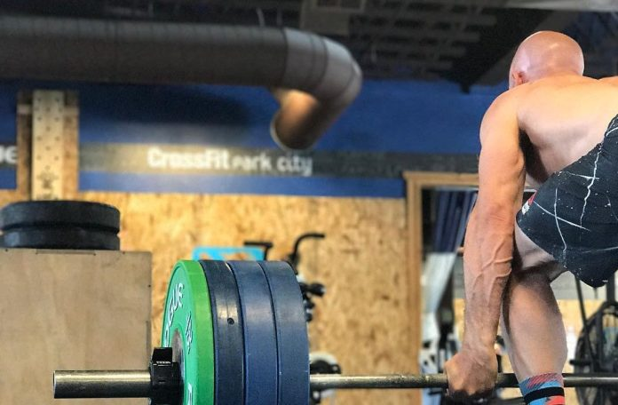 Chris Spealler training for the CrossFit Games in the 35-39 Masters division. @cspealler/Instagram