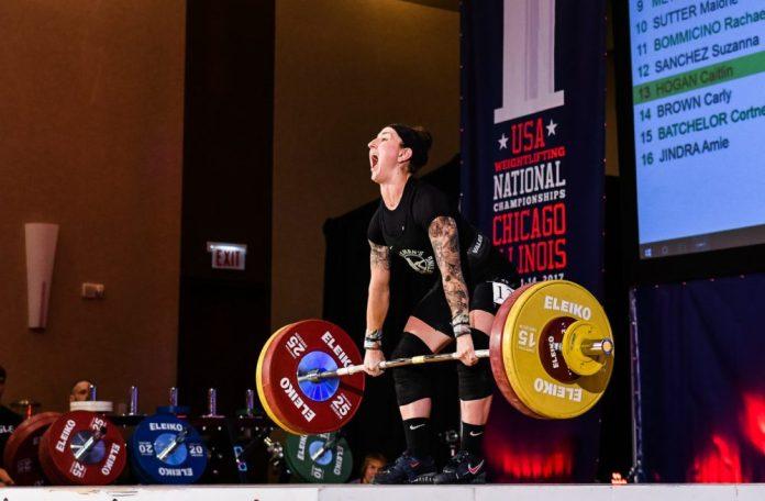 Caitlin Hogan at the 2017 USAW National Championships. Photo by Lifting Life.
