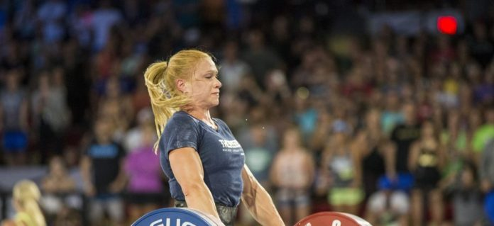 Annie Thorisdottir during the Muscle-Up Clean Ladder at the 2017 CrossFit Games. Photo courtesy of CrossFit Inc.