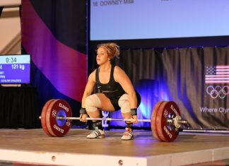 Amy Hay at the 2017 USAW American Open Series I. Photo courtesy of Lifting Life.