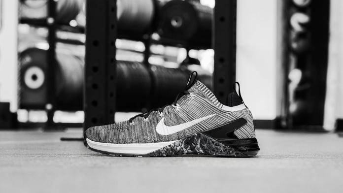 Nike Metcon DSX Flyknit 2, to be released on December 1, 2017.