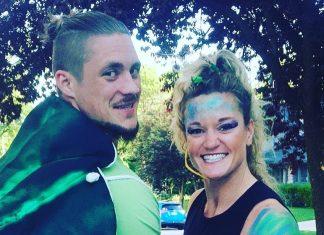 Sam and Jennifer Dancer in their Halloween costume. @jenndancing/Instagram