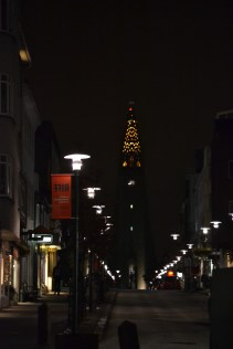 Hallgrimskirkja at night