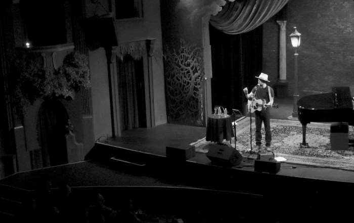 Review + Photos: Jackie Greene at the Throckmorton Theatre
