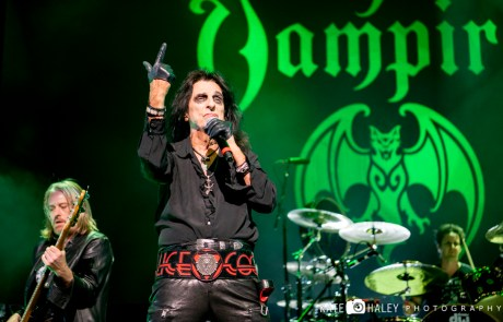 Review + Photos: Hollywood Vampires at the Warfield
