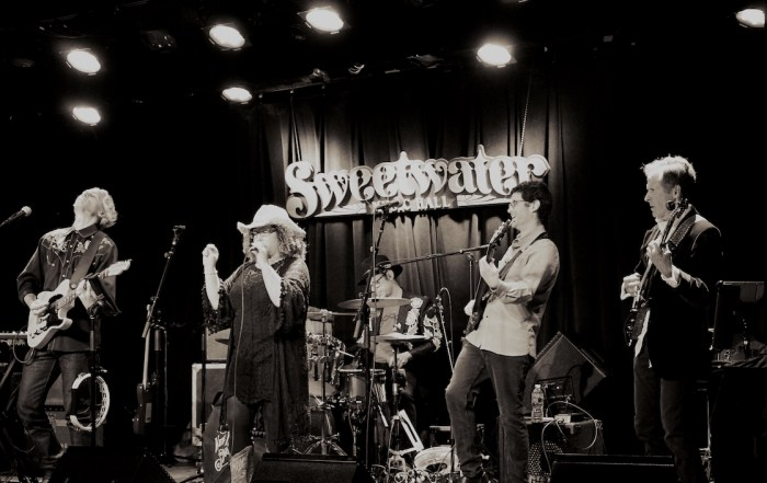 Review + Photos: The Well Known Strangers at the Sweetwater Music Hall