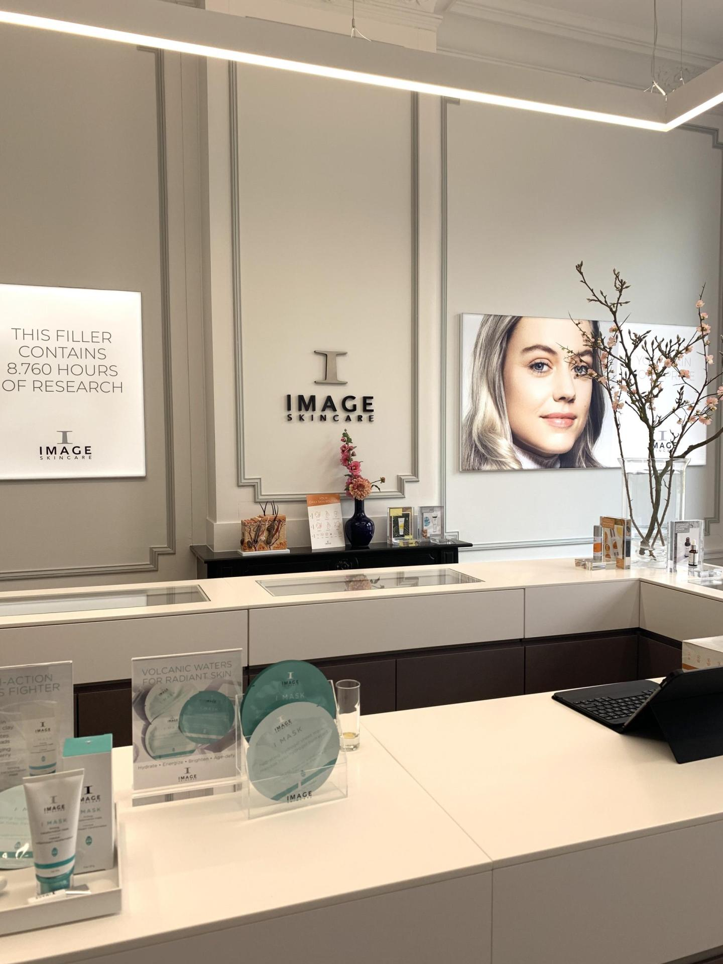 Receptie IMAGE Skincare Experience Center in Haarlem