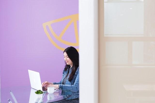 a womanpreneur working alone.
