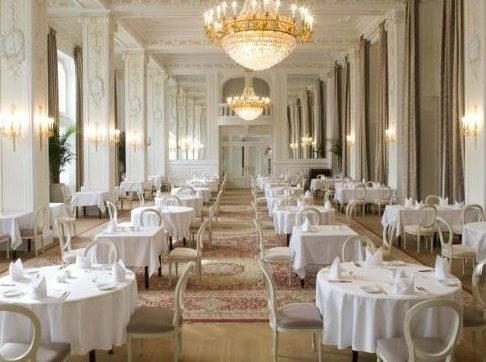Crystal ballroom Kempenski Palace Hotel www.awelltravelledbeauty.com