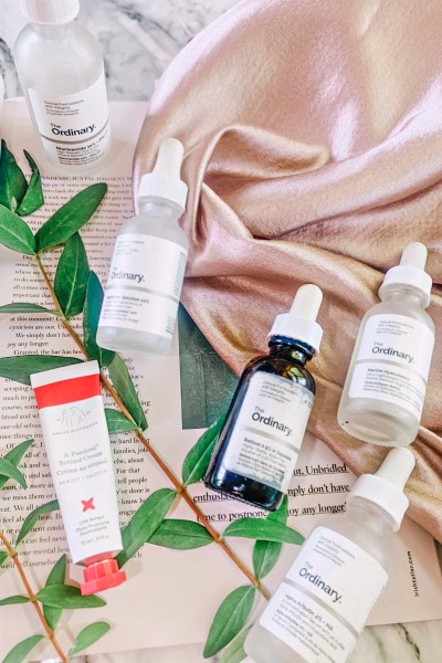 The Ordinary Retinol Routine - How to I layer active ingredients in my The Ordinary skincare routine for pigmentation and ageing www.awelltravelledbeauty.com
