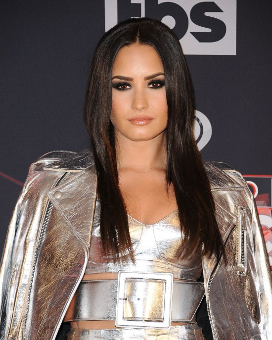 Beauty Secrets Inspired from Demi Lovato