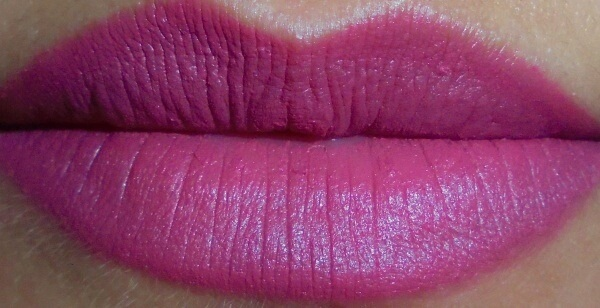 Maybelline Creamy Matte Lipstick Touch of Spice Swatches 02