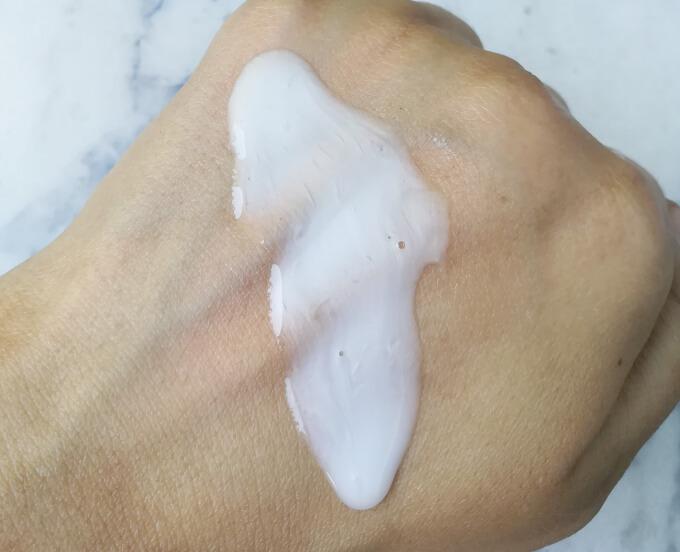 Meera Onion Shampoo Texture