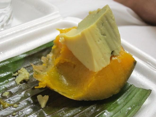 Sang kai fak thawng : courge musquée à la crème de coco cuite à la vapeur