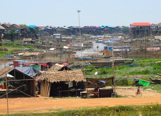 Village de Kampong Khleang, au bord du lac Tonlé Sap, Cambodge