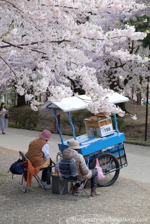 Vendeur de glace, château d'Hirosaki