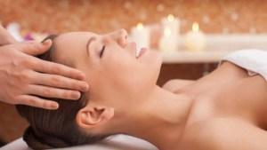 Mini  getting professional massage 1030x687 1 - Mini-_getting-professional-massage-1030x687