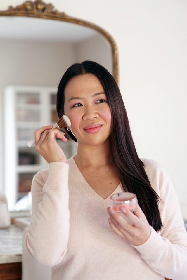Party Puff Starlucent Filtered Powder as a Blush