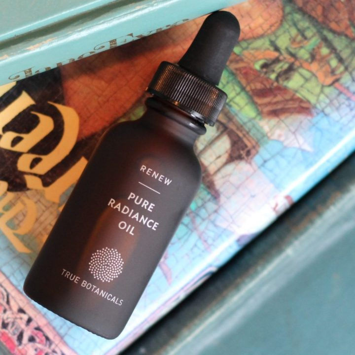 True Botanicals Renew Pure Radiance Oil