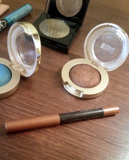 Makeup For Brown Eyes. What makes your brown eyes to look brighter? Read this.