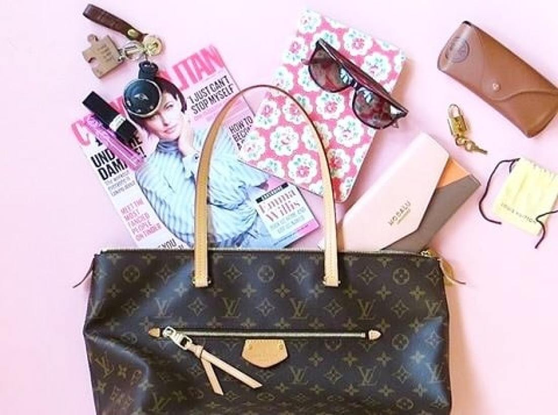 flat lay showing whats in my bag
