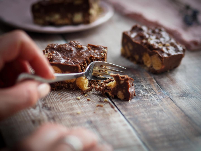 Malteser tiffin no bale fridge cake recipe