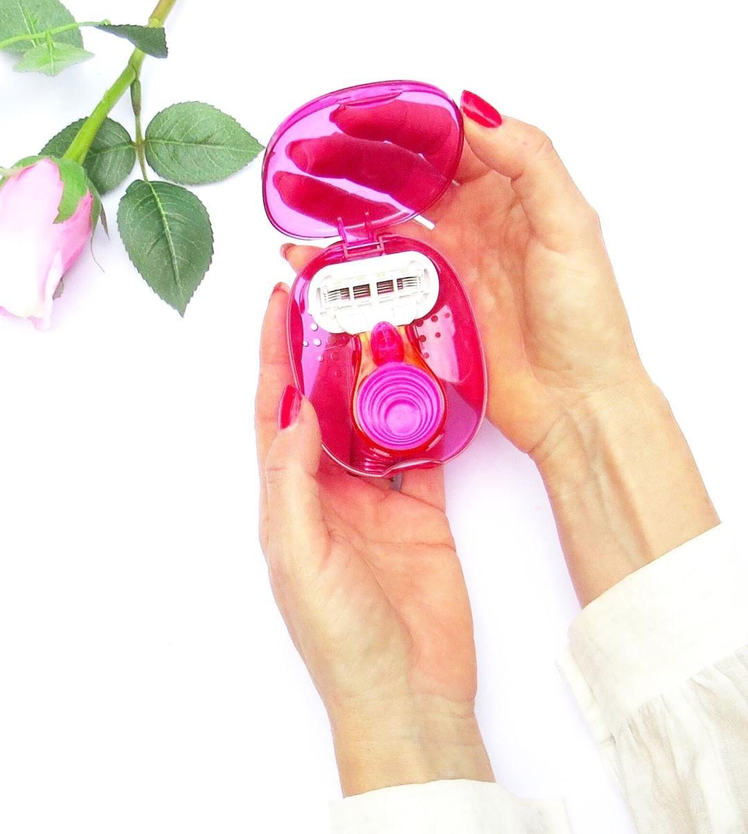 Gilette Venus travel razor holiday essentials
