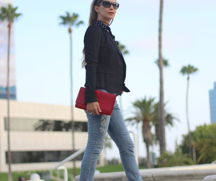 CASUAL CHIC // EMBROIDERED JEANS