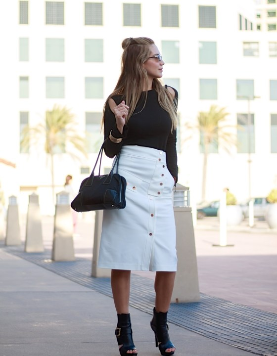 BLACK AND WHITE // PENCIL SKIRT WITH A MODERN TWIST
