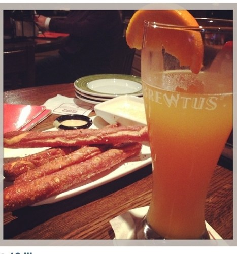 Because I am anti-social and cook at home, I had never been to Applebee's happy hour. It's my new jam, that pretzel cheese thing was fabulous and the beer was cheap!