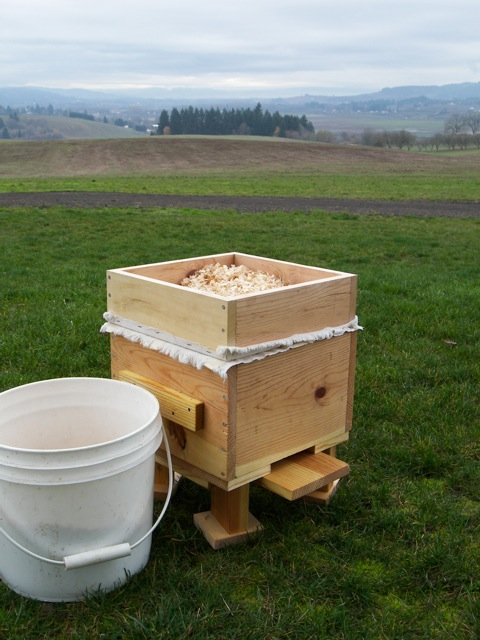 Filling the Warre Hive Quilt with Insulation