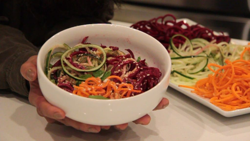 Spiralized Thai Salad with Ninja® Intelli-Sense™ Kitchen System with Auto-Spiralizer™