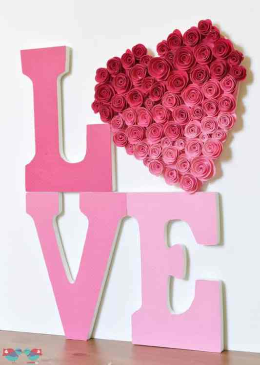 Love Sign with Ombre Rose Heart featured on 25 Valentine's Day Crafts from The Best Blog Recipes