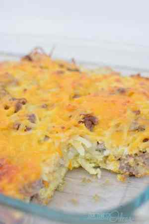 Love Breakfast? Then you're going to love this Easy Overnight Breakfast Casserole Recipe! It has sausage, hash browns, eggs, mushrooms, cheddar cheese (+ a few other goodies)... you know -- all of the good stuff! | Featured on The Best Blog Recipes