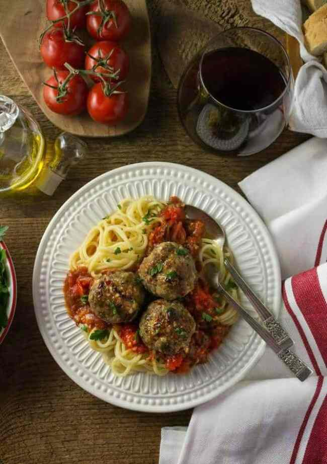 Spaghetti with Italian Chicken Meatballs and Pomodoro Sauce -- a delicious dinner recipe for families on a budget!