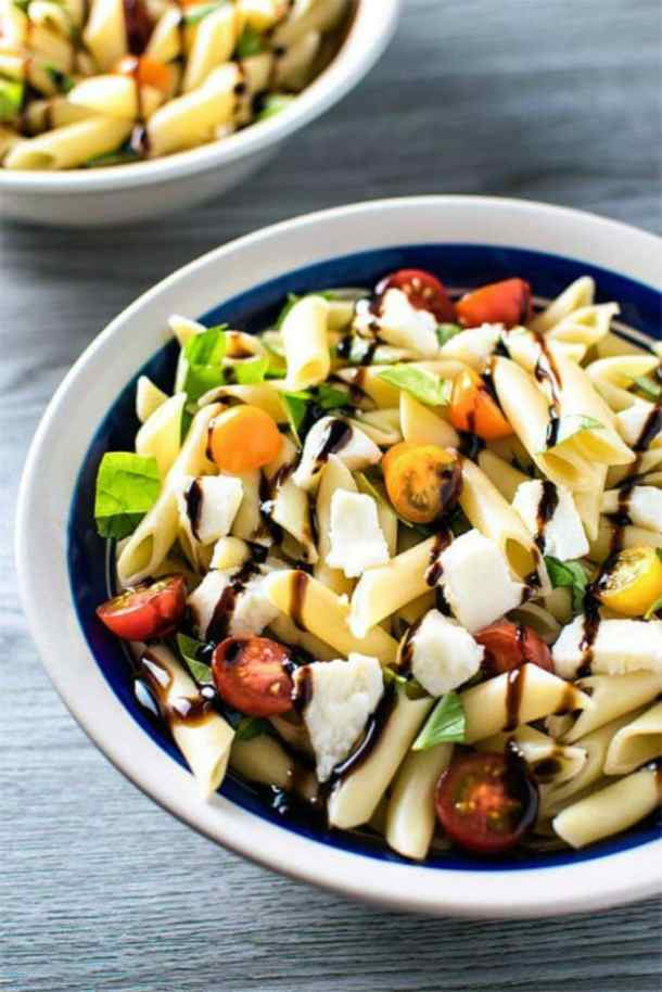 CAPRESE PASTA SALAD -- 19+ PASTA SALADS TO BRING SUMMER BACK INTO YOUR LIFE