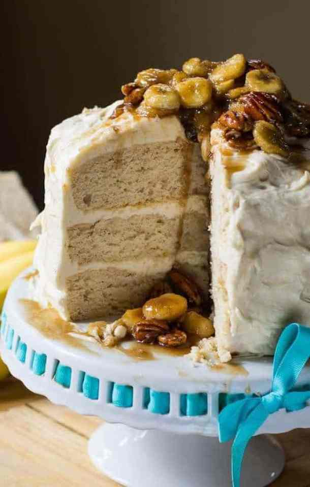 BANANAS FOSTER CAKE -- Part of our 18 Recipes that prove that CARAMEL and BANANAS were meant to go together!