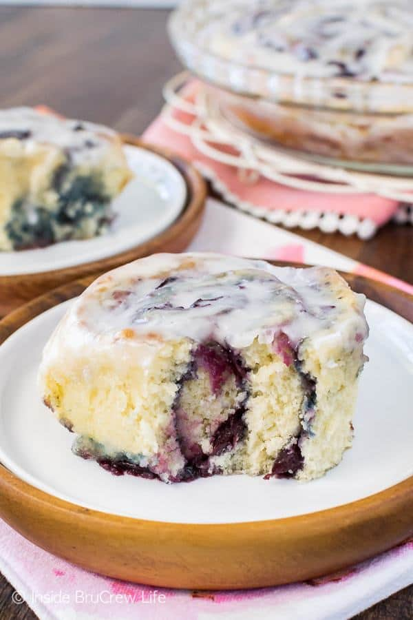 These easy no yeast Cherry Sweet Rolls are filled with a homemade cherry preserves and drizzled with a sweet almond glaze. Great breakfast treat for summer mornings!