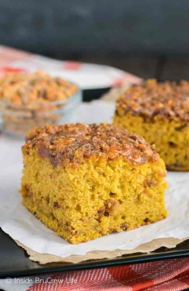 Pumpkin Butterfinger Cake -- Part of The Best Butterfinger Recipes