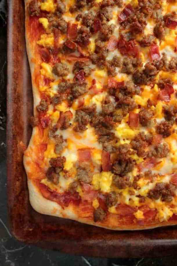 Breakfast Pizza -- part of Cheesy Breakfast Recipes PERFECT for Saturday Mornings