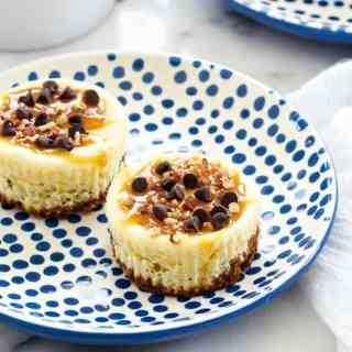 Turtle Cheesecake Cookie Cups